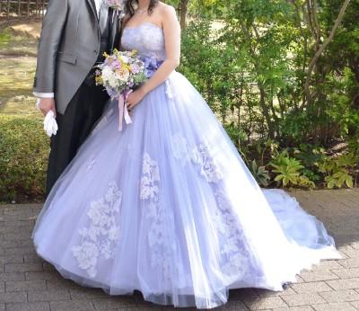 結婚式当日のカラードレス正面